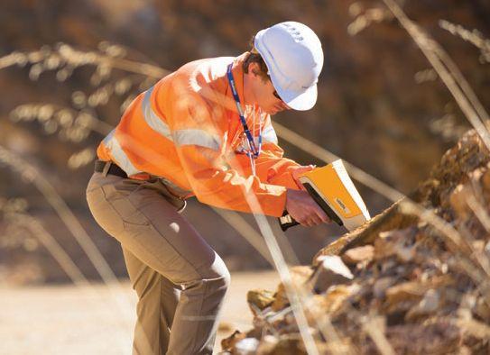 用�y于在矿产勘探和矿体定向应用中探测金元素和金探途元素的便携▲式XRF分析仪