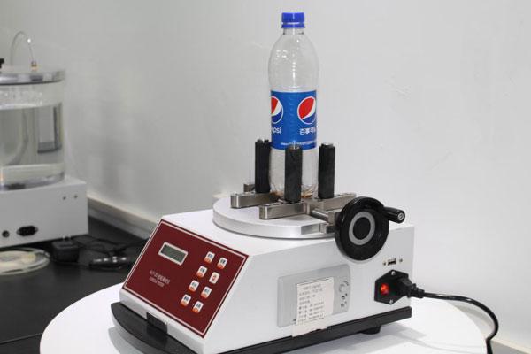 使用济南赛成瓶盖扭矩仪测试某客户提供的饮料瓶瓶盖开启力锁紧力方法