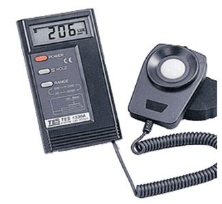 TES1335数字照度计