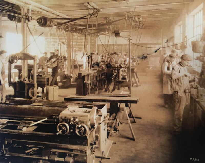 位于四层的车间,主要用于生产平衡试验机.png