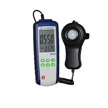 Digi-Sense Data Logging Light Meter with NIST-Traceable Calibration