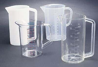 Polycarbonate graduated beaker with handle, 470 mL