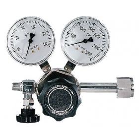 双级气体调压器