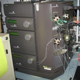 AKTA Explorer 100/10蛋白纯化系统