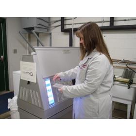 QUV-se紫外光耐候老化试验箱