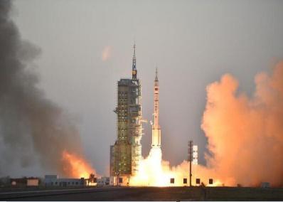 神舟十一号飞船发射成功 航天仪器仪表再建功勋