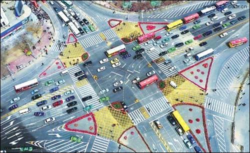 """英国安装""""智能交通灯"""" 可检测交通拥堵"""