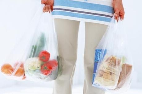 听说塑料袋装蔬菜危害特别大 是真的吗?