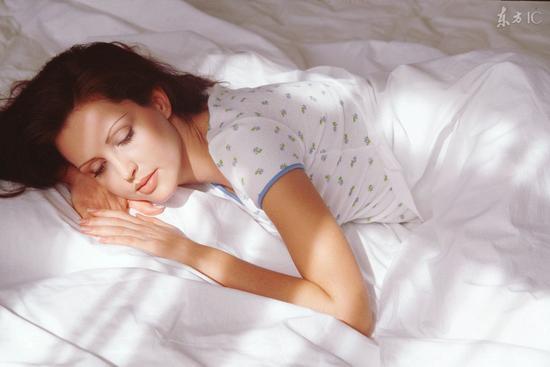 睡前哪3个习惯可以立即年轻15岁?