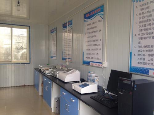 检测设备齐力护安全,批发商配备食品快检室