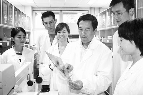华人面孔让中国的科研仪器走的更远