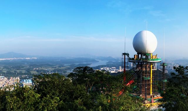 广东深圳新一代双偏振天气雷达建成并投入业务运行