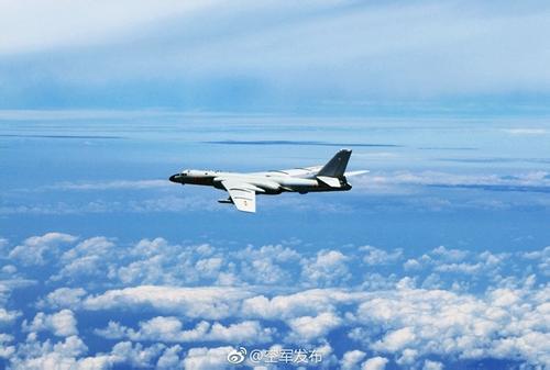 中国空军组织双向绕飞台湾巡航 苏35首飞巴士海峡