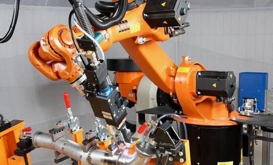 """工业机器人要注重标准化 切勿""""小作坊""""式生产"""