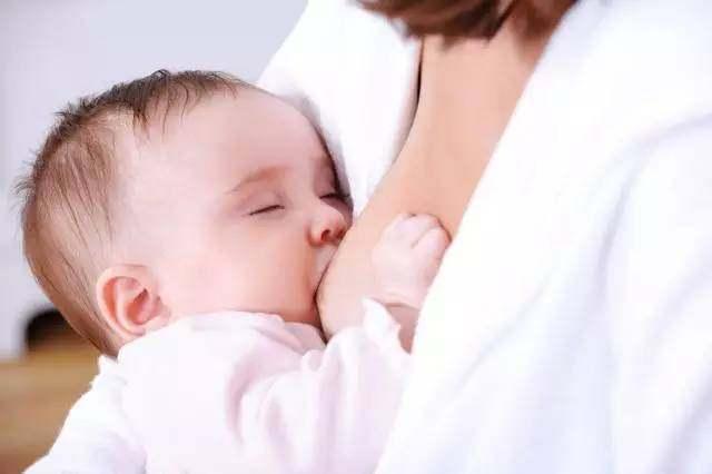 半岁宝宝纯母乳喂养不用喂水?
