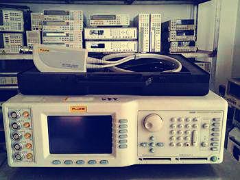 我国自主研发的高性能的示波器校准仪已投入生产