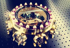 """我国研发世界最小""""芯片原子钟"""" 有望运用于全球导航系统"""