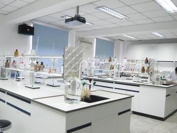 6,插座在每间实验室里根据实验用途的不同,配置足够数量的单相九孔