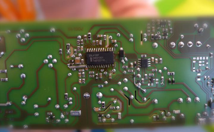 电路板上的led驱动芯片