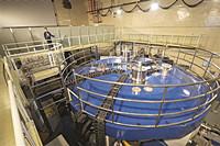 资讯我国首套超导质子回旋加速器已进入整体集